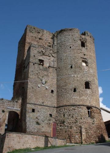 La-Rocca-di-CastellOttieri-598x1024